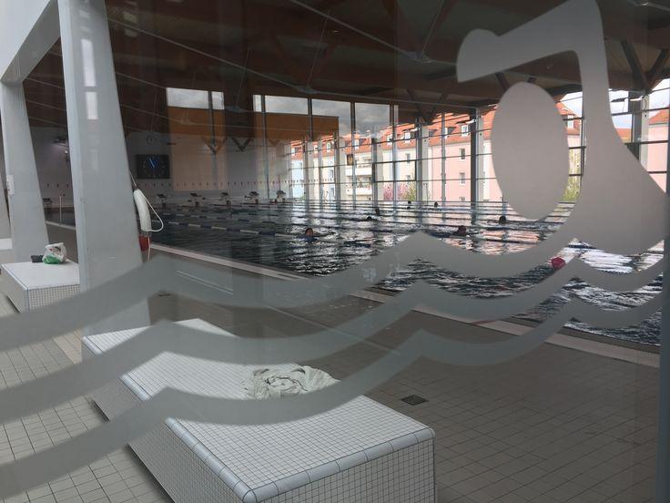 Tolles Becken für #Sportschwimmer: Robert-Koch-Schwimmhalle in Halle/Saale, wo einst schon Weltrekord-Krauler Biedermann seine Bahnen zog.