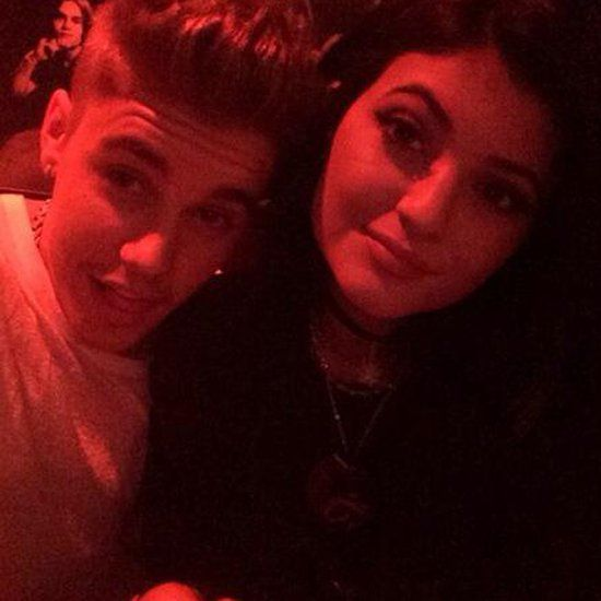 Pin for Later: Justin Bieber and Kylie Jenner Get Cozy During a Dinner Date
