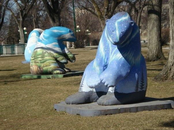 Winnipeg - Public Artworks / Bears on Broadway