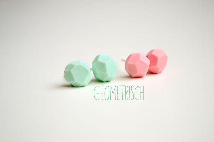 2er set Geometrisch - Fimo Ohrstecker // geometrical fimo ear studs, set of two, by Dreamer-Telina  via dawanda.om