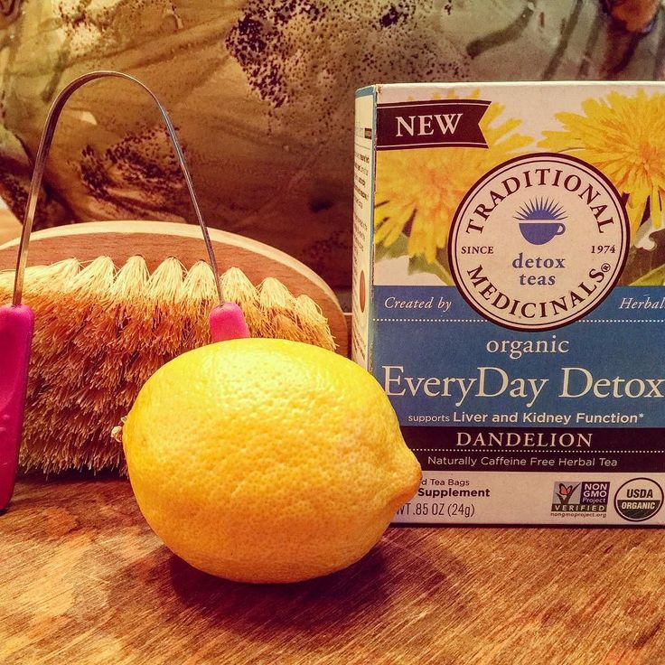 Get your daily detox on! Hot lemon water tongue scraper dry brush and my fave detox tea. Your body will  you for it. #detox #lemon #cleanse #daily #healthy #healthyliving #longevity #real #clean #nojuiceneeded #feelgood #energy #lean #alive