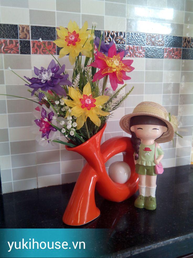 Hoa pha lê trang trí nhà cửa ngày tết thêm lung linh.