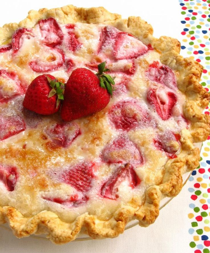 Summer Strawberry Sour Cream Pie...yummy!  Serve with vanilla ice cream for a delicious dessert.