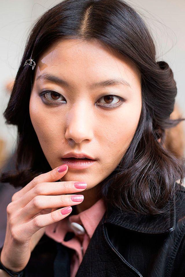 Maison Rabih Kayrouz. ESMALTES DE MODA PRIMAVERA-VERANO 2016   Confesiones de una Casual Girl   #beauty #fashion #nails #spring2016 #summer2016 #manicures #belleza #manicuras #moda