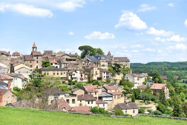 De Dordogne Is Een Van De Mooiste Streken Van Frankrijk Zonder Twijfel Ook Mijn Favoriete Franse Regio Het Leven Is Hier Namel Rotswoningen Frankrijk Dorpjes
