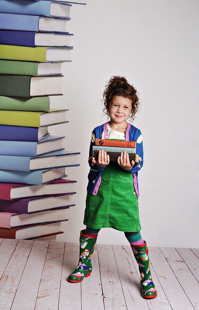 Welcome the kids into the studio for back to school shoots with this new fall backdrop. Insiders tip: Add freshly sharpened pencils or stack old books for a photo prop. Add variety and style to your p