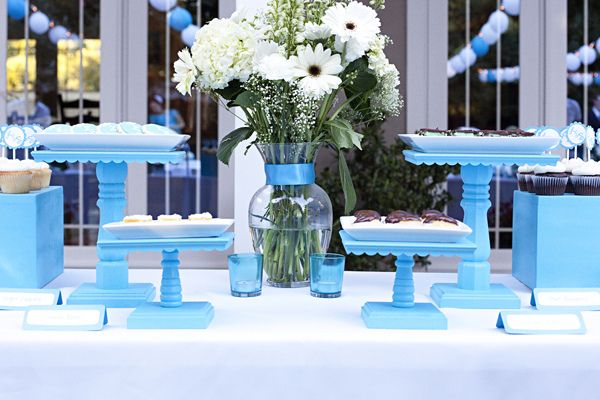 DIY cake stands // nice everything blue