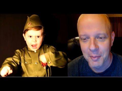 Американец смотрит как Русский мальчик поёт Американский профессор на ру...