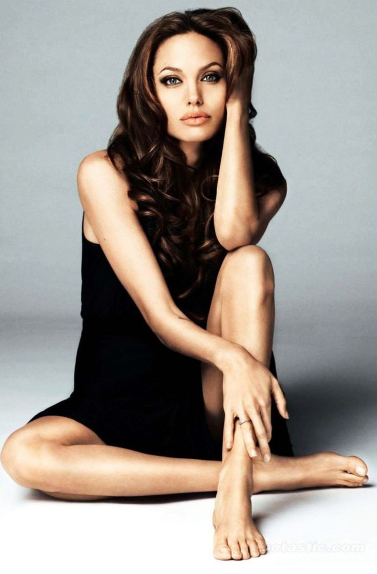 Angelina Jolie... so gorgeous!