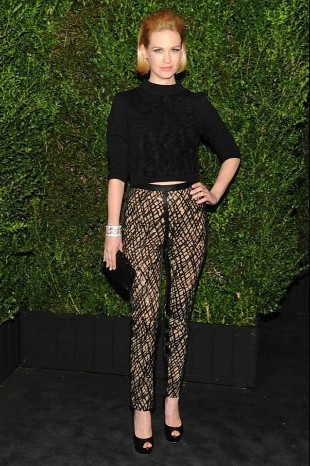 January Jones wore a black knitted sweater from the Cruise Versailles Collection with black pants #fashion #Chanel #Oscar #2013