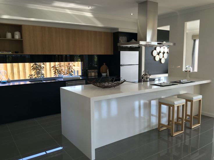 Burbank Homes, Melbourne Australia. Marriott 4200 on display Keysborough