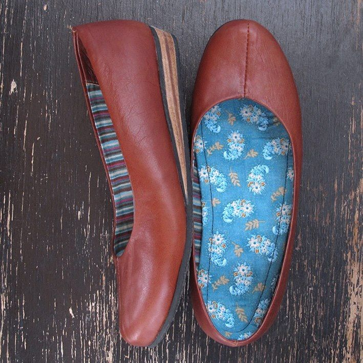 Va.de.nuevo shoes created from reused leather clothes.