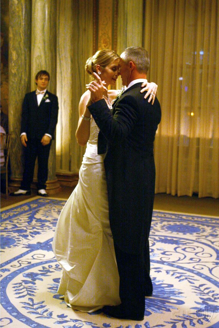 """Kelly Rutherford as Lily van der Woodsen and Robert John Burke as Bart Bass """"Much 'I Do' About Nothing"""""""