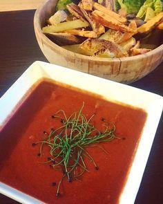 Bij frietjes hoort een sausje: mayonaise, ketchup, currysaus… Natuurlijk hoeft ook bij gezonde frietjes een sausje niet te ontbreken! Maak je gezonde aardappelfrietjes uit...