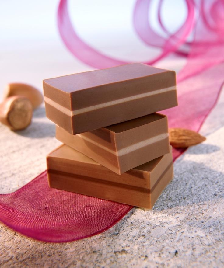 Die perfekte Vereinigung aus Nougat und Schokolade.  Copyright © 2012, Peter Rees