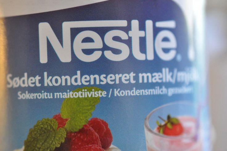 Verdens bedste flødekarameller med vanilje - lavet af kondenseret mælk på nemmeste vis. Perfekt smag og konsistens - dagens bedste karameltip fra mig til dig