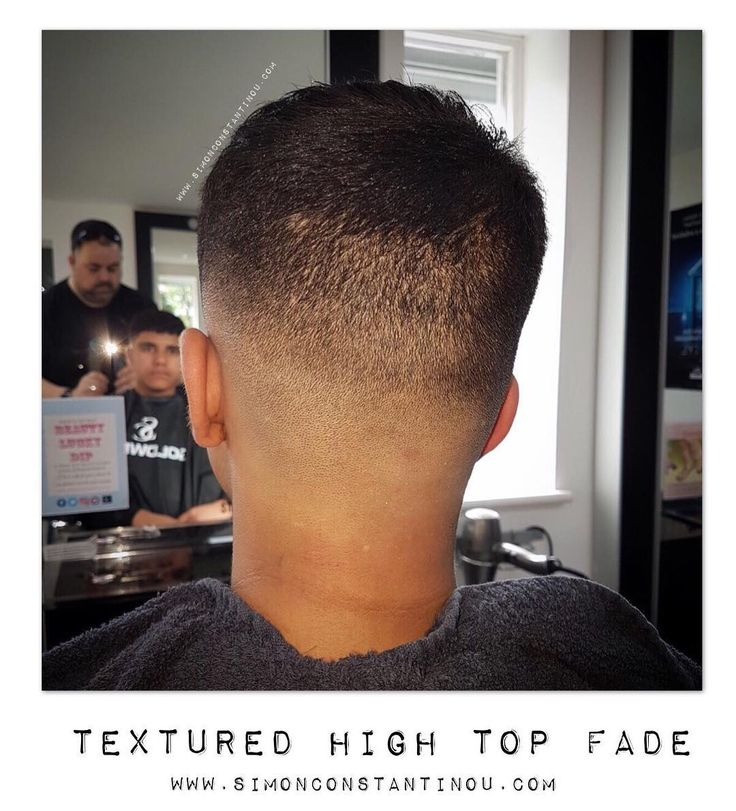 How awesome is this cut by Dody?!  This textured High Top Fade is bang on trend Book your appointment call 02920461191 or use our online booking system: http://ift.tt/2jsyJ86 #simonconstantinou #barberscardiff #barberingcardiff #texturedhightopfade #fade #barbershop #britishbarbers #modernsalon #behindthechair