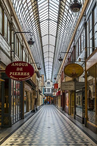 Passage Jouffroy, coming from Passage des Panoramas, Paris
