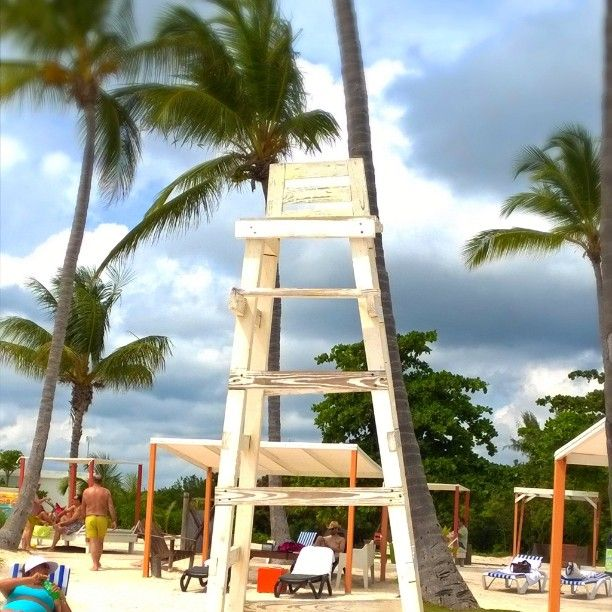 Getting our #beach on at #Juanillobeach on this cloudy day in #CapCana #Puntacana #travel #bloggerperks #Lumiaswitch #lifeguardchair #beach #carribean