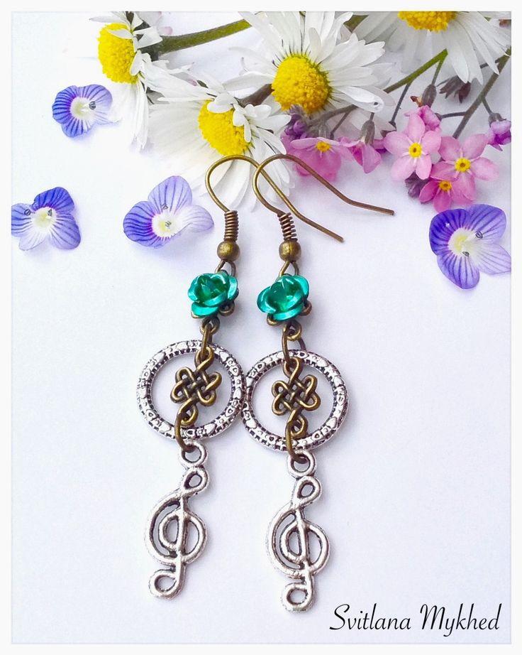 """Boucles d'oreilles """"Cle de sol. Note de musique. Musique. J'aime musique"""" : Boucles d'oreille par perles-et-couronnes"""