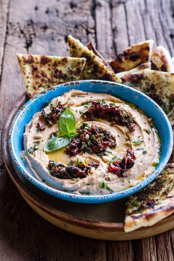 Húmus de pizza mozarella  http://www.halfbakedharvest.com/cheesy-margarita-pizza-hummus-grilled-pesto-pizza-bread/