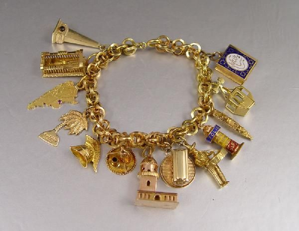 18k Gold Charm Bracelet And Charms 48 2 Grams