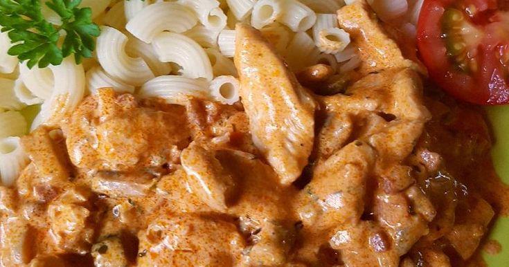 Mennyei Csirkemell, Stroganoff módra recept! Rendkívül ízletes főétel, ami gyorsan elkészül! Szívből ajánlom mindenkinek!