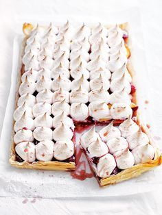 Donna Hay peach and raspberry meringue tart