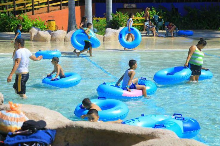 Honduras: Sampedranos se refrescan en parques acuáticos y balnearios  San Pedro Sula tiene diferentes opciones para disfrutar durante esta Semana Santa.