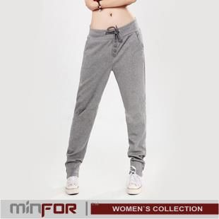 Спортивные зауженные штаны адидас женские