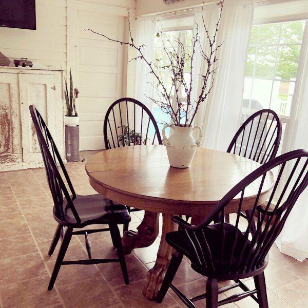 Farmhouse Dining Rooms Decor, Windsor Round Table