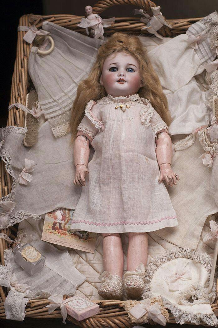 old vintage dolls wee sanction