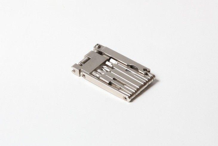 PELAGO MULTITOOL 12 LIGHT chave hexagonal / hex keys (2mm, 2.5mm, 3mm, 4mm, 5mm, 6mm), chave de fendas / flat screwdriver chave de estrela / cross-recessed screwdriver chave de raios / spoke wrench abre-correntes / chain cutter chave torx /torx key Preço //price: 29,00€ Comprar Online//Buy Online