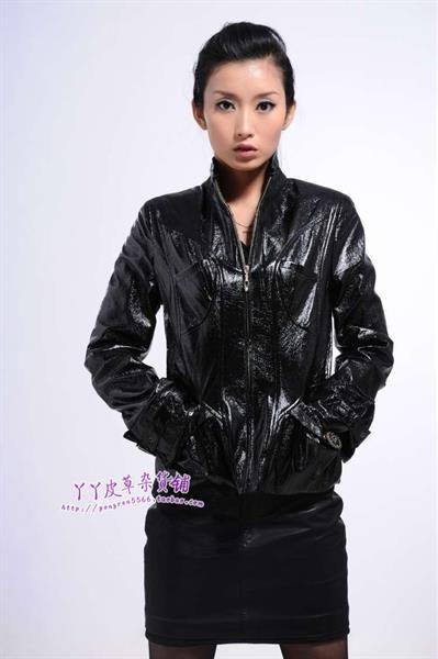 Куртка лакированная кожа
