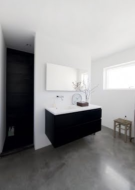 bathroom - love how there is nothing touching the flour so that it makes for easy cleaning of the floor