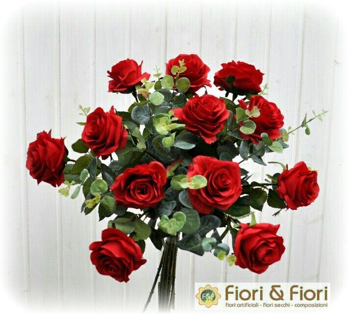 Bouquet fiori artificiali rose france rosse con eucalipto