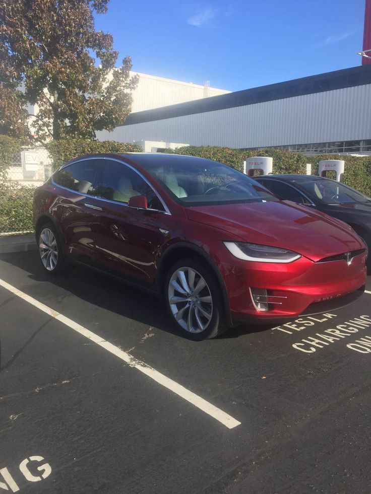 Tesla Motors Inc Model X Spied In Fremont, Misses Thanksgiving. Tesla Motors Inc Model X sneak peak