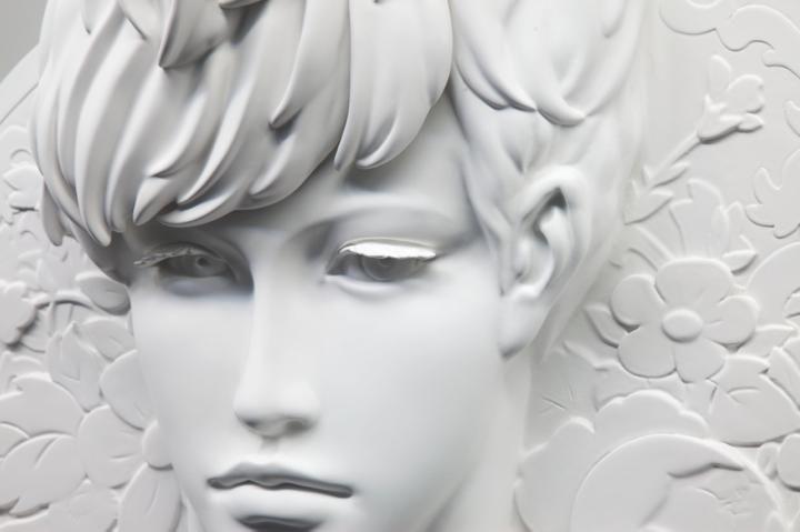 吉田 芙希子   Thorn prince 2012 760×860×190mm 発泡スチロール、石粉粘土、サーフェイサー