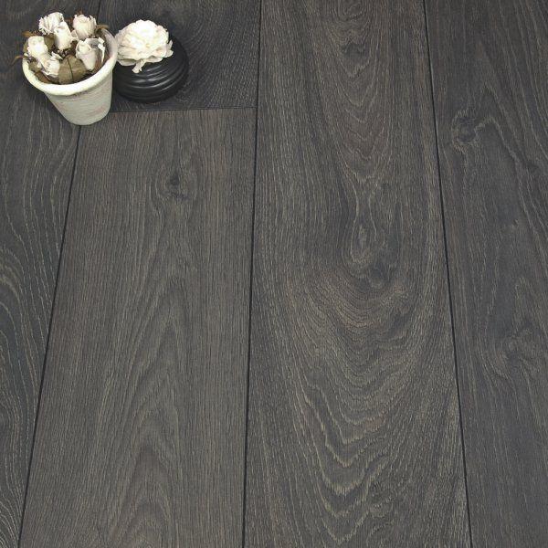 £11.25 ex vat Luxury Chrome Arosa Oak 8mm Laminate Flooring