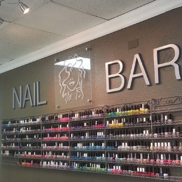 1000 images about nail salons and decor ideas on for Bar salon design