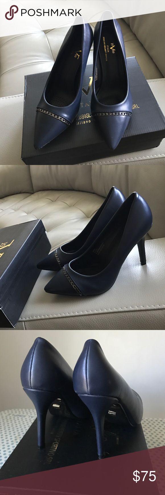 Versace 1969 Abbigliamento SPORTIVO srl shoes❣️❣️ Versace 1969 Abbigliamento SPORTIVO srl shoes❣️❣️navy color😐🍎🙂❣️👠🌸😊💚💙❤️😍💗😘😘🍒💖🍒🍊👏 Versace 1969 Abbigliamento SPORTIVO srl  Shoes Heels