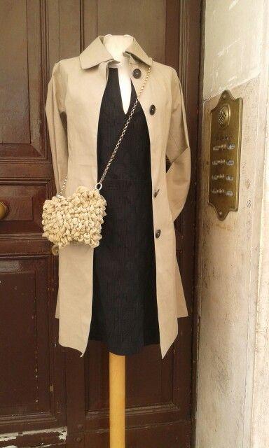 Trench Mackintosh abito Kristina T borsa le Rosselle .