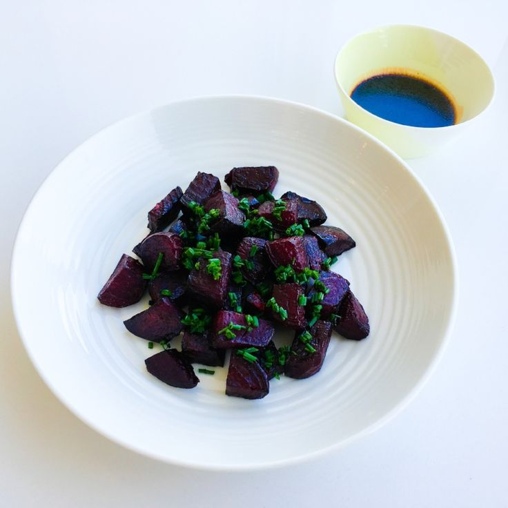 I love roast beetroot! But I absolutely ADORE it with this simple balsamic citrus glaze! I like to cook up a large batch of these every now and then. I serve a large bowl as a side dish with dinner, and keep a bowl aside to use in salads throughout the week.
