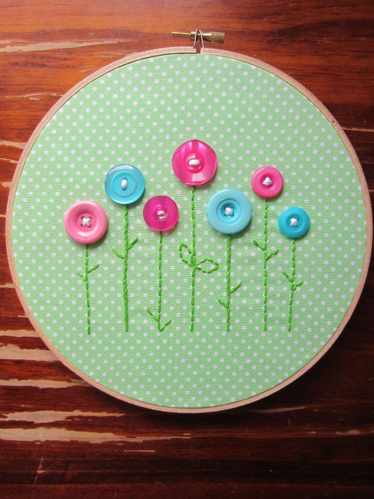 Embroidery hoop button flowers
