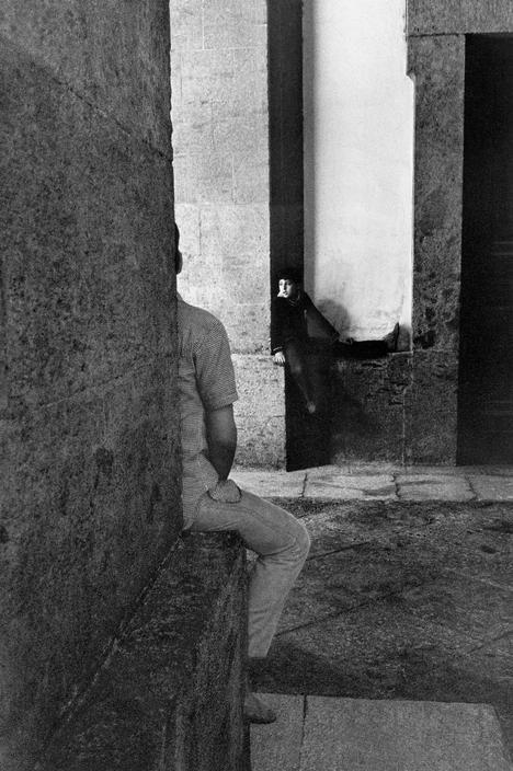 Magnum Photos Photographer Portfolio: Josef Koudelka ITALY. Naples. 1980.