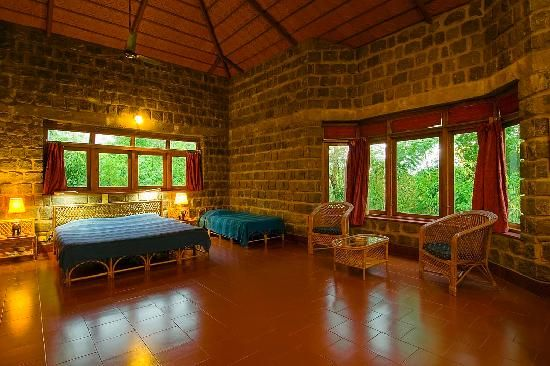 Jungle Hut is located right at the heart of the #jungle. This jungle hut have a cosy #cottages repleted with modern #amenities. A #stay here is guaranteed to be a unique and #enjoyable experience. #hotelindia #lifewelltravelled #indiatraveltalk #tourindia
