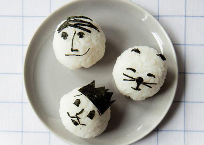 onigiri - Онигири - классные рисовые штучки из японской кухни, которые хоть и похожи на суши, но ... не суши. А еще они очень забавные и веселые - дети с удовольствием примут участие в приготовлении, а потом и съедят.