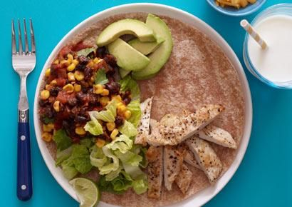 Turkey Fajitas and more healthy fajita recipe favorites on MyNaturalFamily.com #fajita #recipe