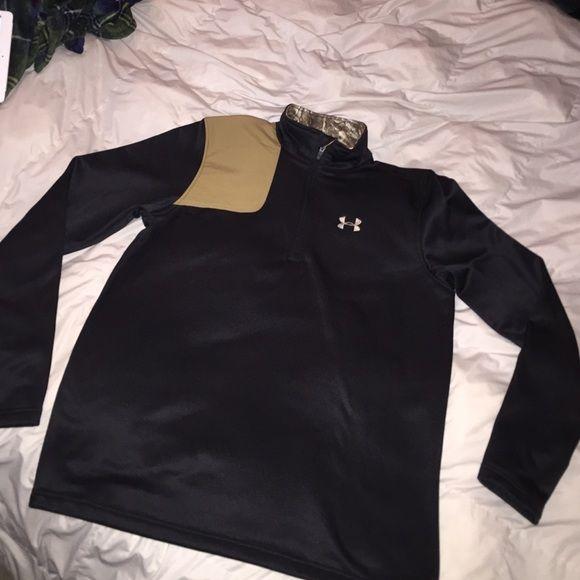 Unisex under armour half zip Unisex NWOT under amor thermal half zip. Has camo accents Under Armour Jackets & Coats