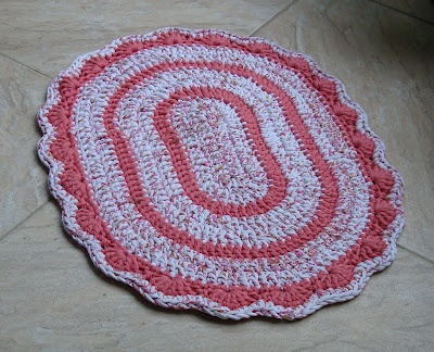 I ALSO ... CROCHETO: Oval Rugs time Grandma # more # more